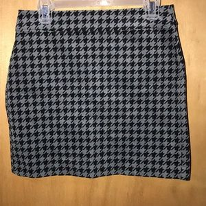 Banana republic houndstooth mini skirt